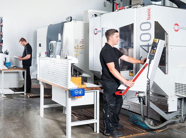 Karriere in der Industrie CNC-Fräsen und Drehen